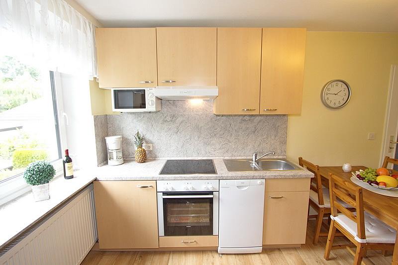 3 zimmer ferienwohnung in scharbeutz f r 1 4 personen ostseestern meetz ferienwohnungen. Black Bedroom Furniture Sets. Home Design Ideas